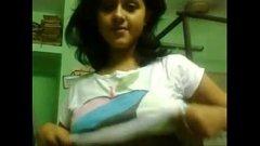 Copila indianca prinsa de ma-sa in timp ce se dezbraca la webcam