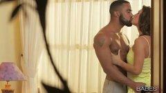 Sex in luna de miere cu noua lui sotie