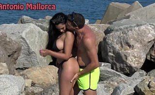 Doi tineri fac sex pe plaja la Mamaia