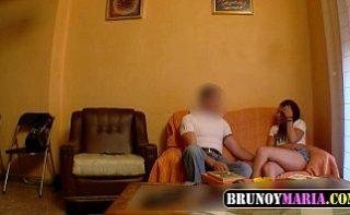 Camera ascunsa filmeaza clipele in care sotul isi inseala nevasta