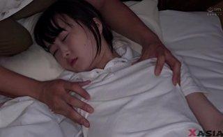 Cea mai mica si inocenta chinezoaica din filme porno