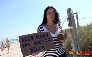 Femeie boschetara fututa pe bani de tigari