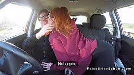 O eleva roscata fututa chiar de instructor in autoturism
