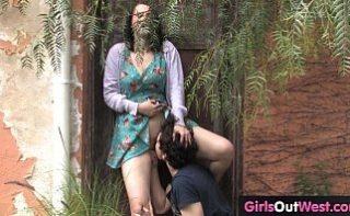 Femeie grasuta face sex in natura cu amantul ei